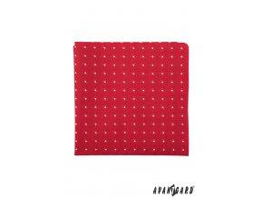 Červený kapesníček s bílými kosočtverci