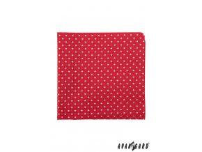 Červený kapesníček s bílým drobným vzorkem