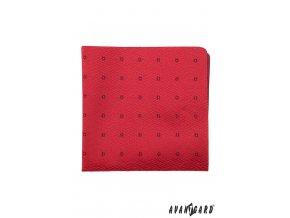 Červený kapesníček s drobnými tmavými kvítky