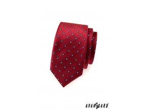 Červená slim kravata s bleděmodrými puntíky