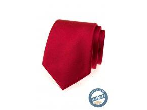 Červená hedvábná kravata v krabičce